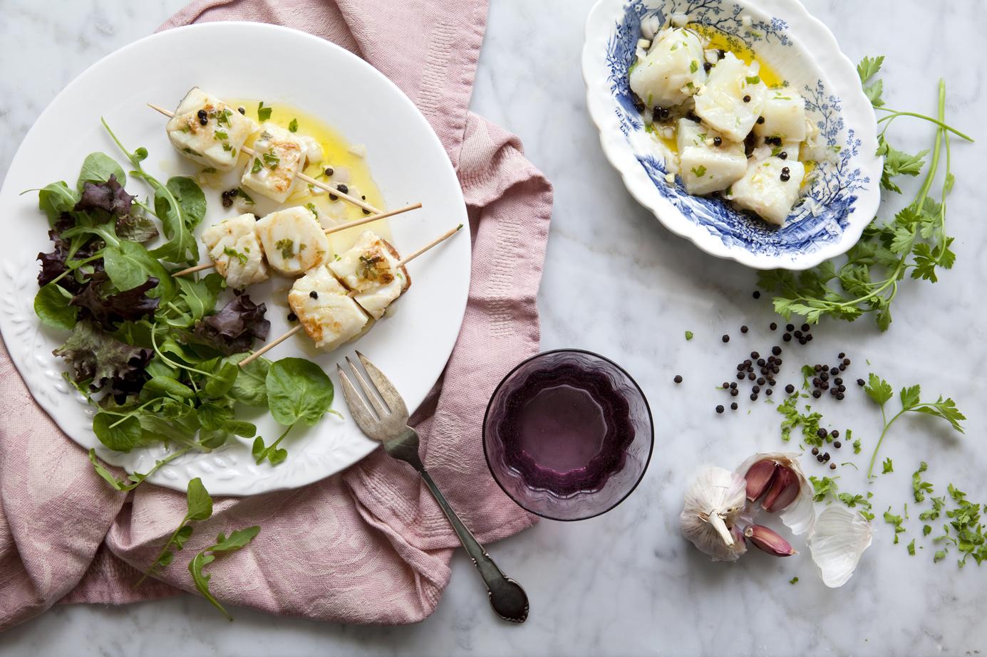Bílá ryba v marinádě z extra panenského olivového oleje