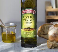 Jaký je rozdíl mezi extra panenským olivovým olejem a dalšími rostlinnými oleji?