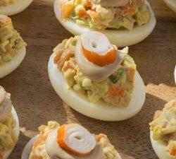 Plněná vajíčka s majonézovým dresinkem
