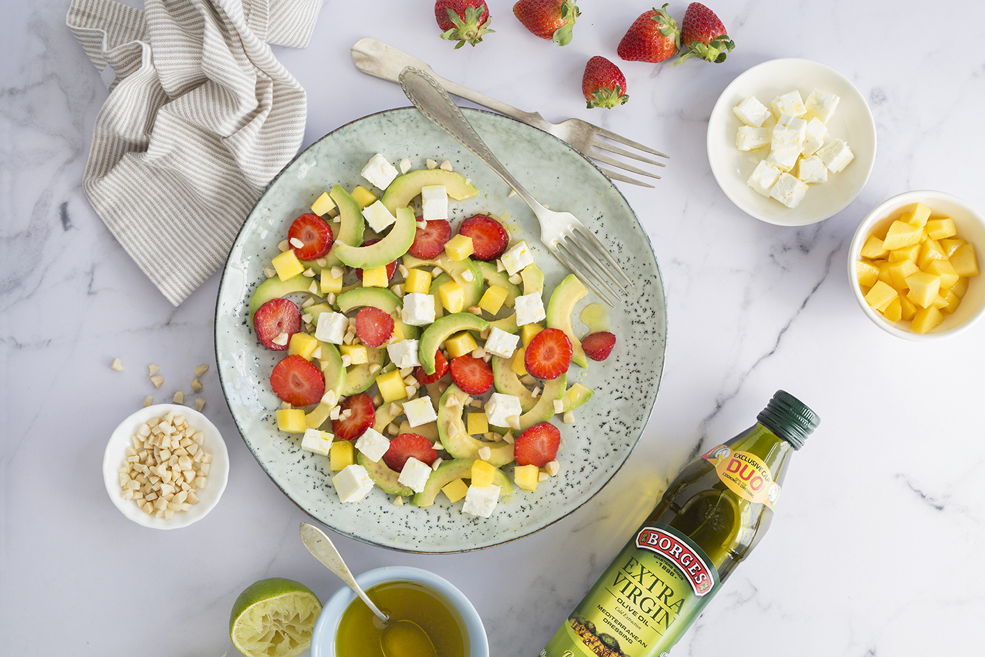Avokádový salát s mangem